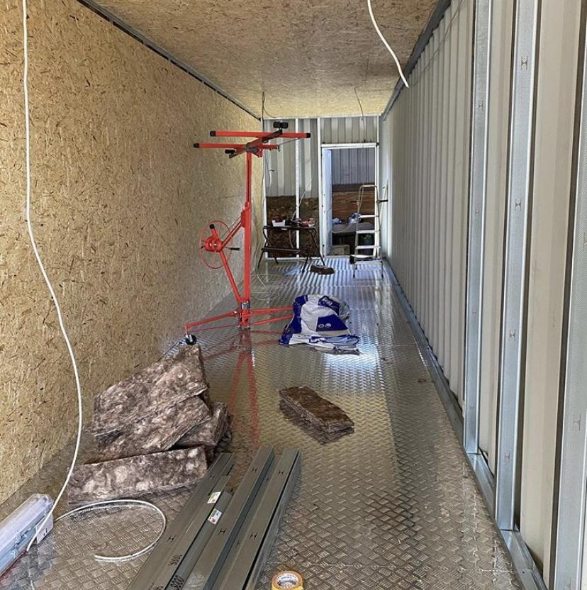 Переоборудование контейнера в склад