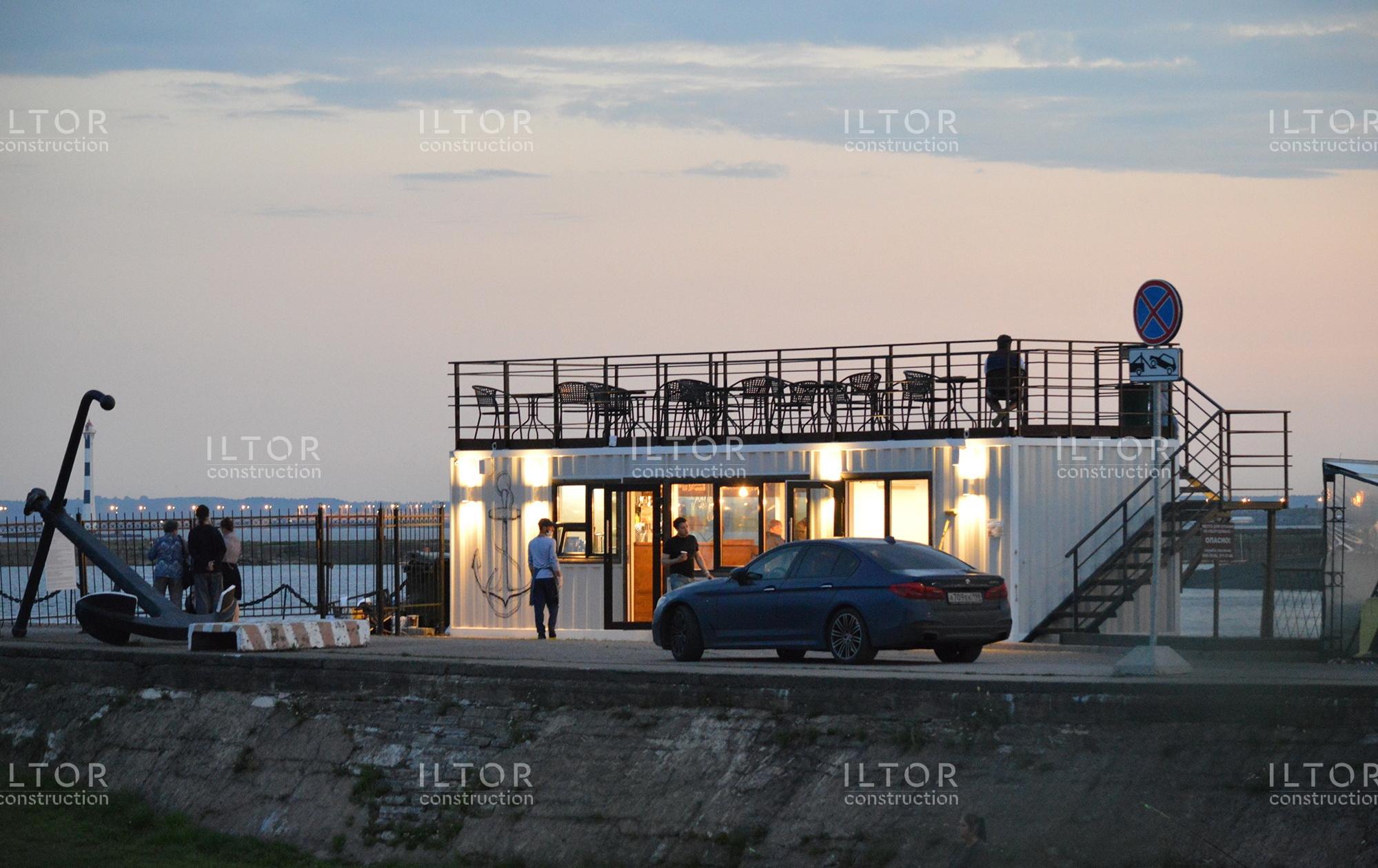 Морское кафе из морского контейнера